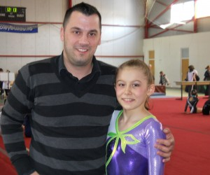 Psiholog sportiv Andreas Hniatiuc si Alexandra Mihai, campioana nationala de juniori la gimnastica